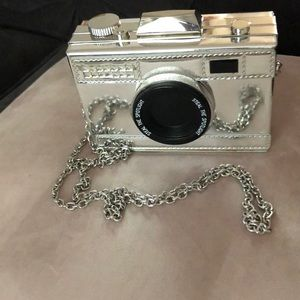 Camera clutch with chain strap